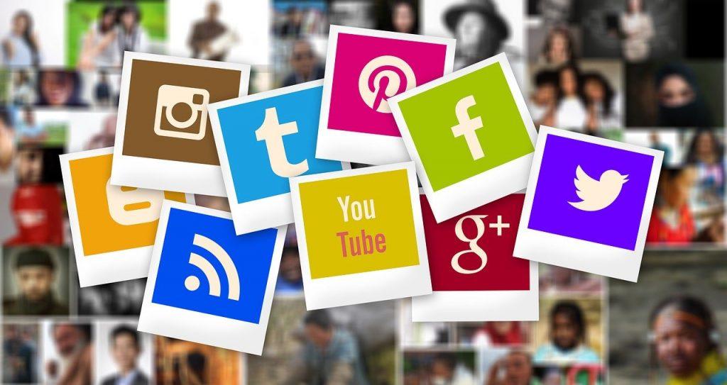 Réseaux Sociaux Instagram, Facebook, Youtube, Twitter